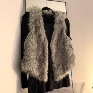 Me Jane Grey Faux Fur Vest